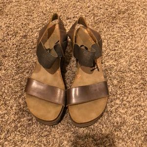 Womens OTBT Wedges, Size 7 1/2